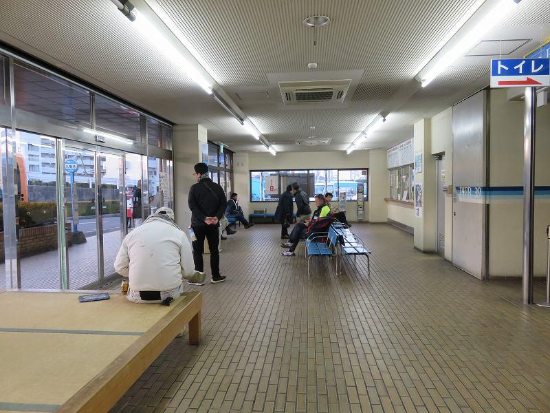 丸亀港フェリーターミナルの待合室