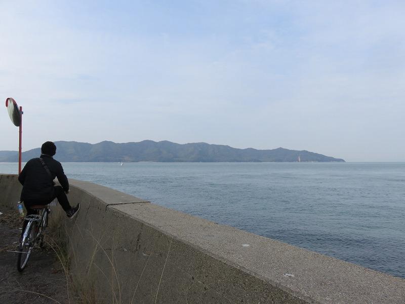 本島の海と堤防