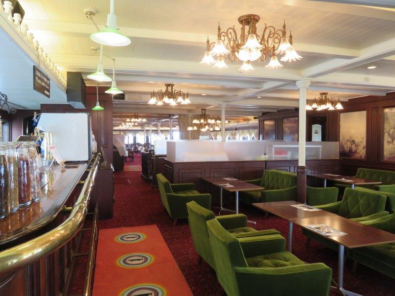 びわこクルーズ船ミシガン2階のミシガンカフェ