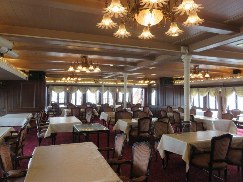 びわこクルーズ船ミシガン1階のミシガンレストラン