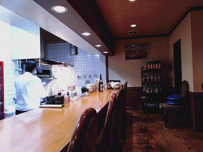 洋風居酒屋カバレ―の店内の様子