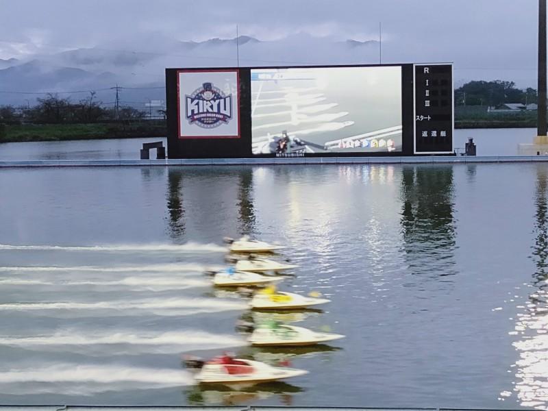 ボートレース桐生のわいわいシートから見える競争水面