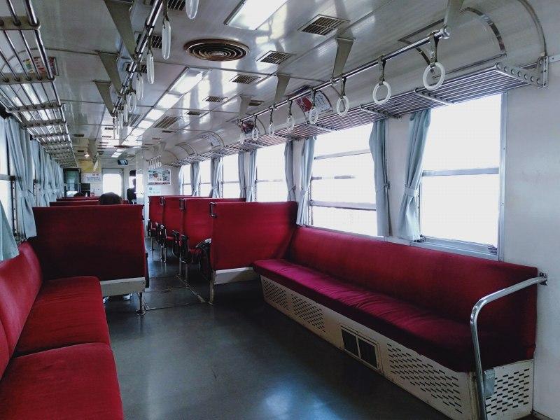 わたらせ渓谷鐵道の普通列車の車内