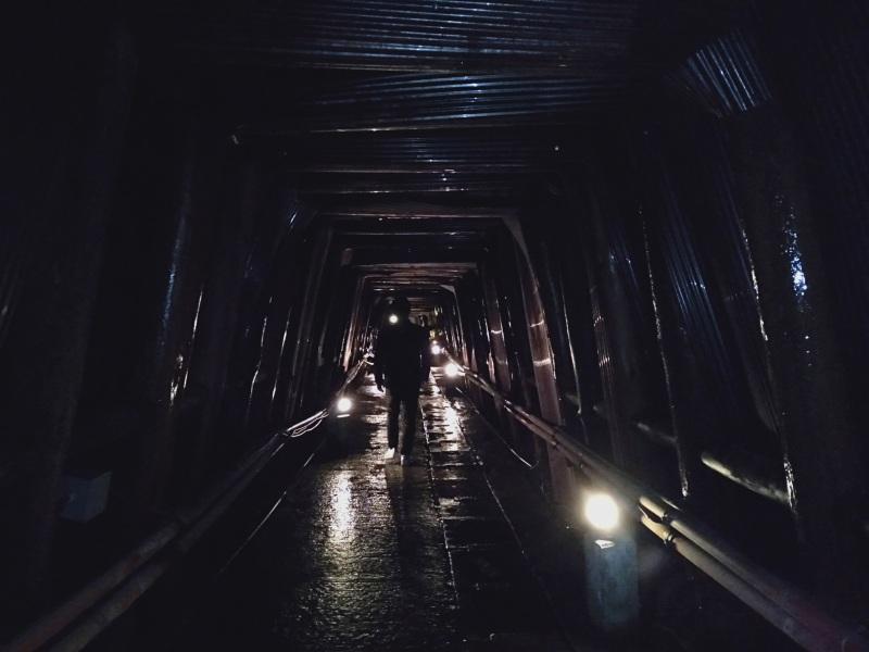 足尾銅山の通洞内のようす