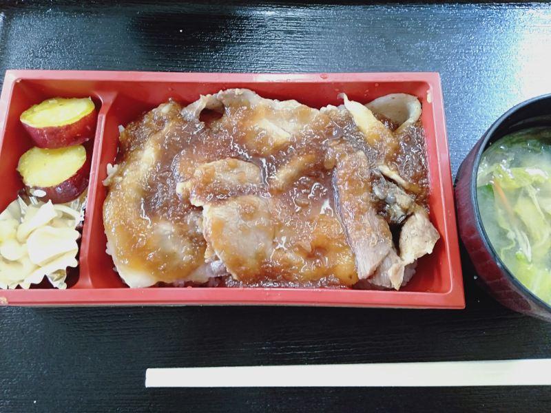 「列車のレストラン清流」の「やまと豚弁当」
