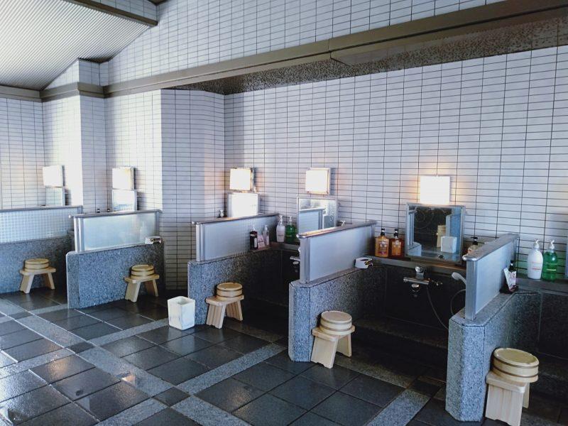 伊香保温泉の松本楼の8階にある吉祥の湯の洗い場