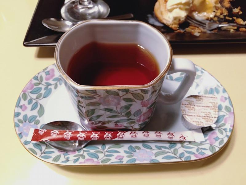 伊香保温泉の洋風旅館ぴのんの夕食の紅茶