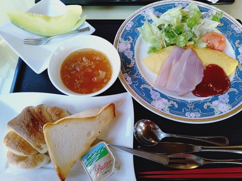 伊香保温泉の洋風旅館ぴのんの洋食朝食
