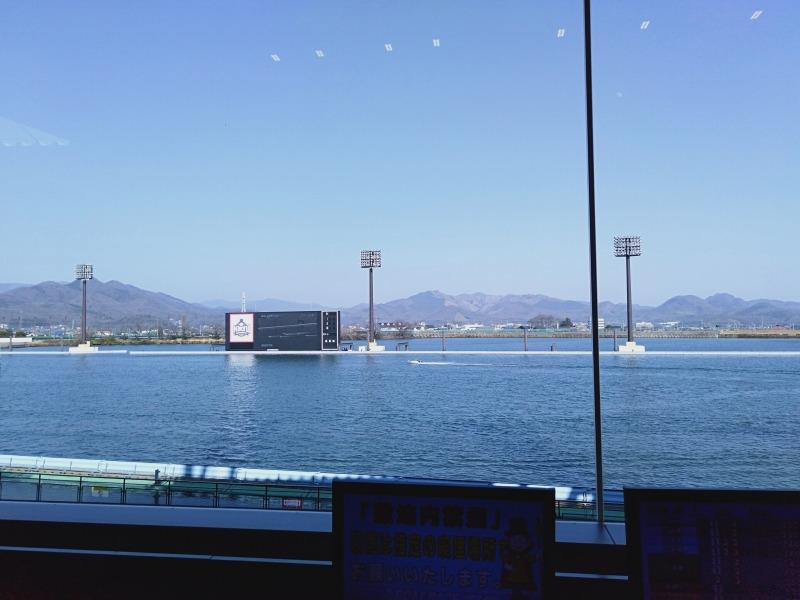 ボートレース桐生のPISルーム内のエグゼクティブシートからの眺め