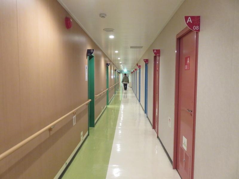 オーシャン東九フェリー「りつりん」の廊下