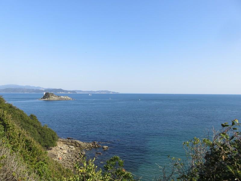 渦見茶屋の近くの展望台から見える海