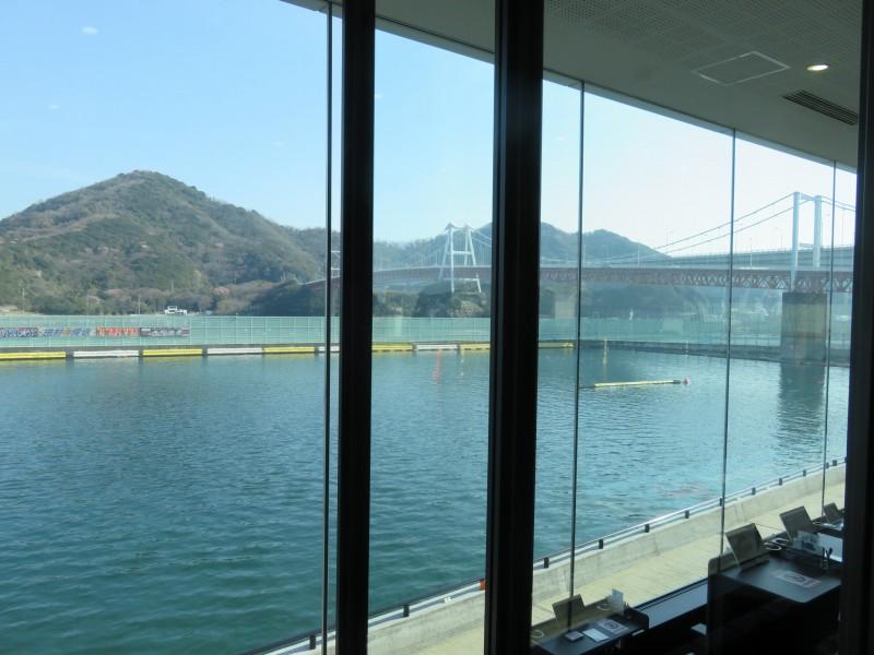 ボートレース鳴門の3階一般席から見た水面