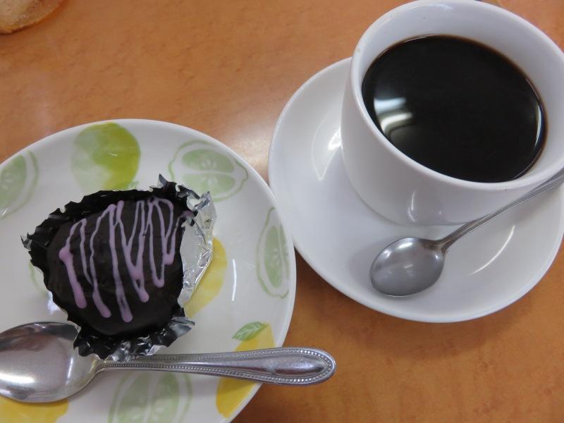 TOMI(トミー)のコーヒーとお菓子