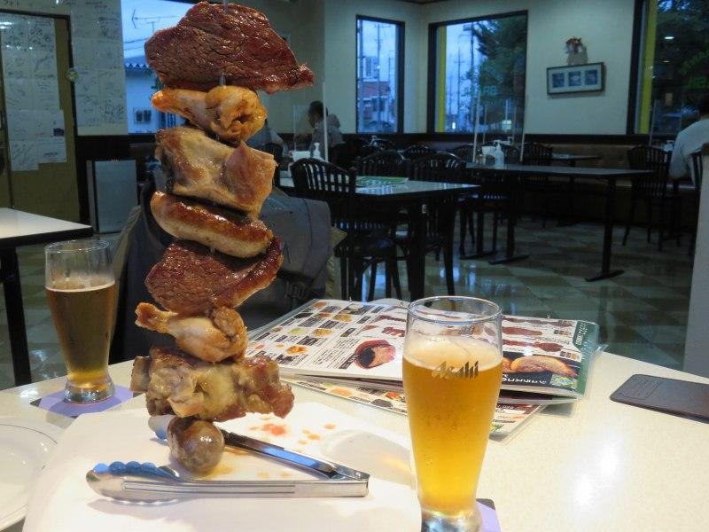 レストランブラジルのシュラスコとビール
