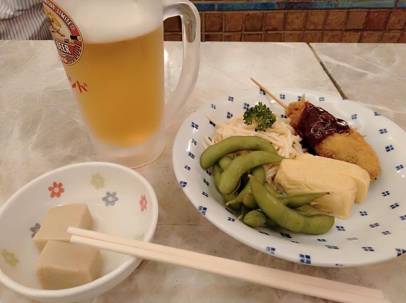 京極スタンドの生ビールセット