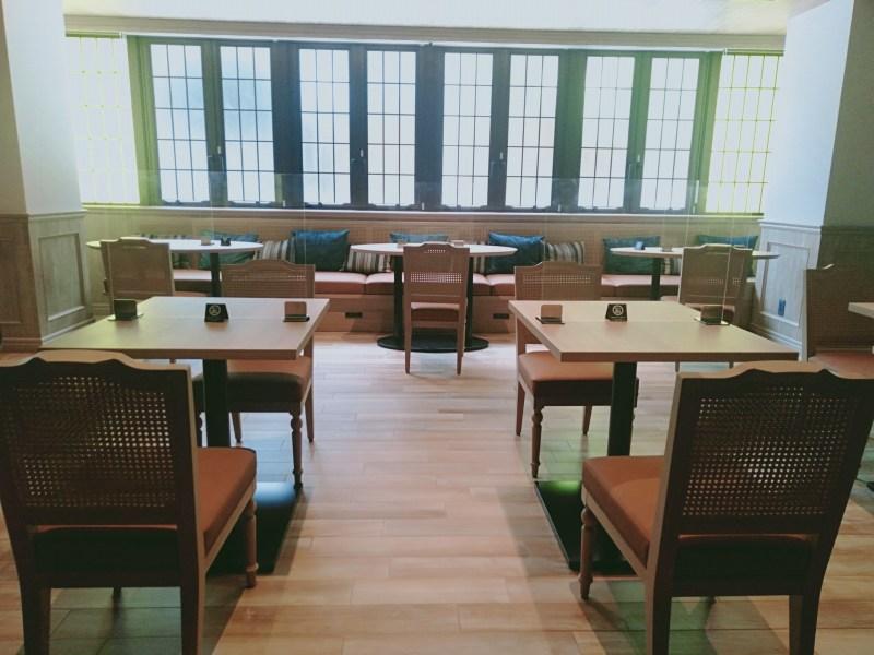 ザロイヤルパークキャンバス京都二条のラウンジ